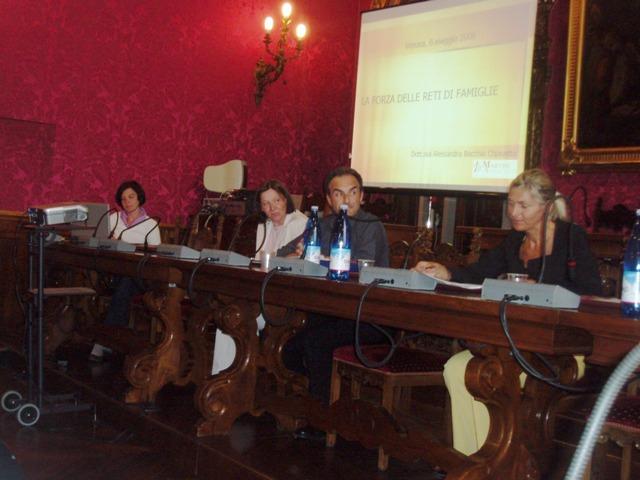 L'assessore alla Famiglia della Provincia di Verona Maria Luisa Tezza apre il seminario